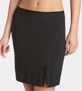 Półhalka Triumph Body Make-up Skirt czarna